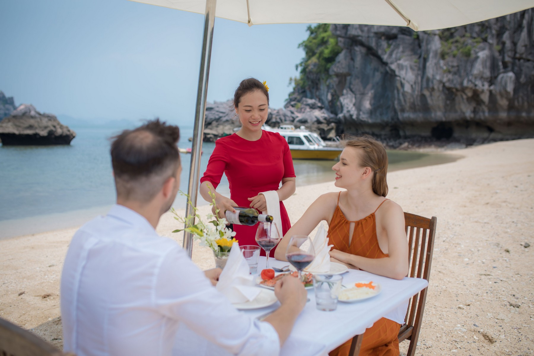 halong-bay-bai-tu-long-bay-cruise-beach-bbq-8