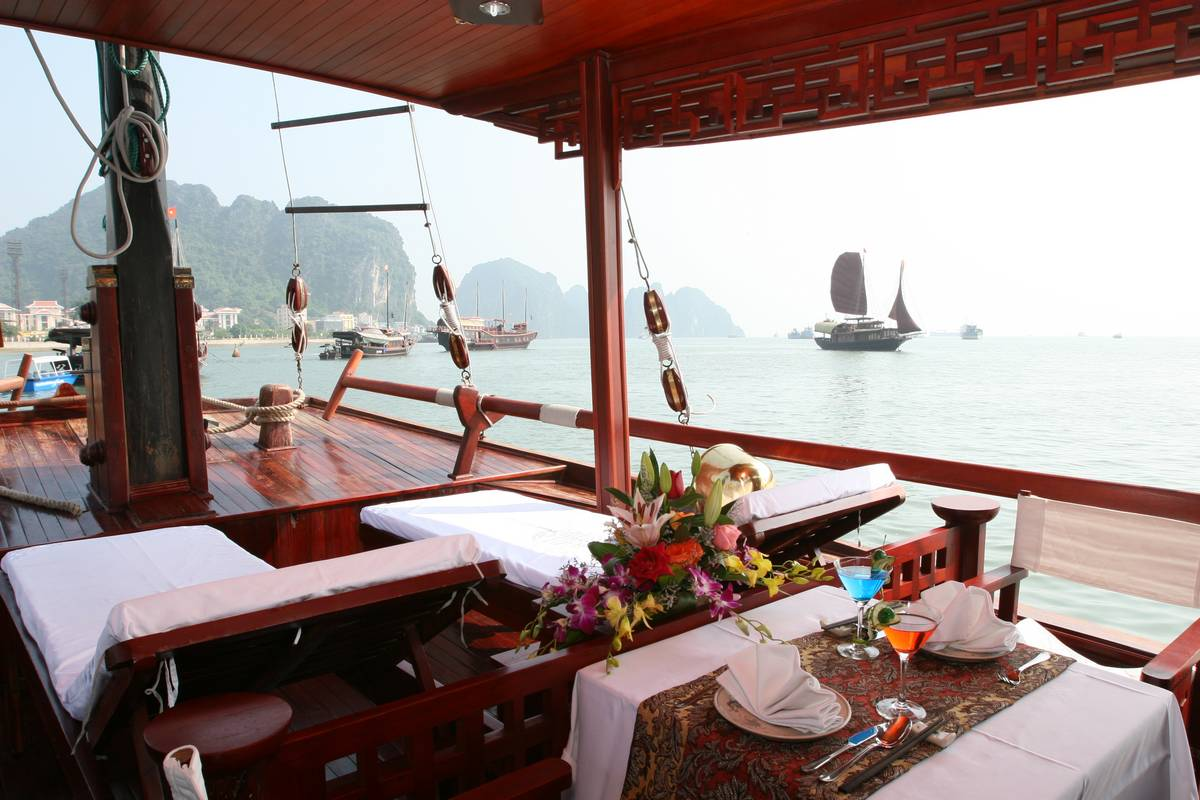 Halong Bay Cruise Amour Junk