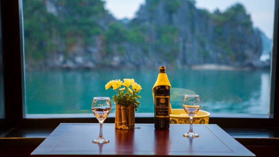 Halong Bay Luxury Cruise Service - Dragon Legend