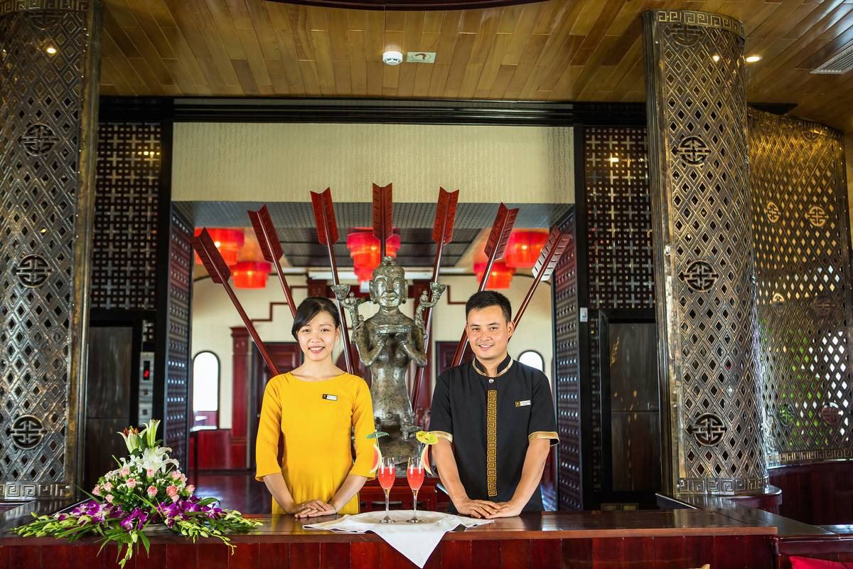 Halong Bay Luxury Cruise Staff - Dragon Legend